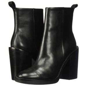 Kendall and Kylie black Lance boot